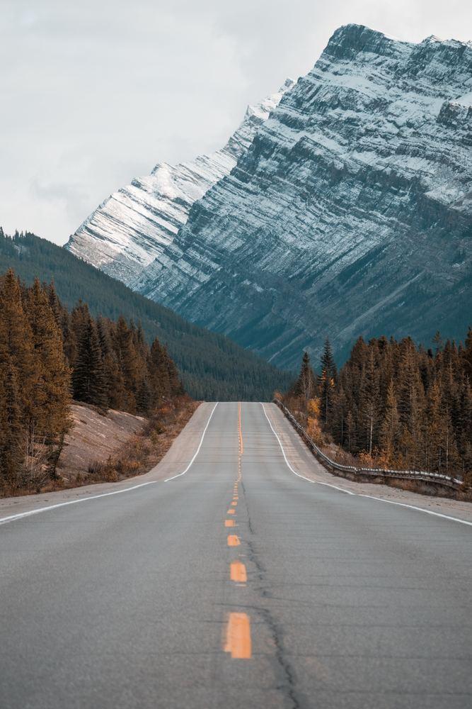 Motorvei gjennom fjellene
