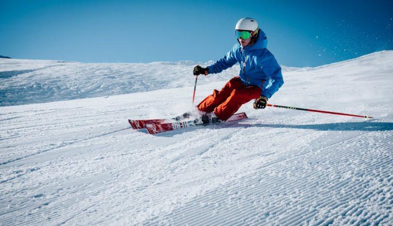 Finn en skihjelm til dine behov